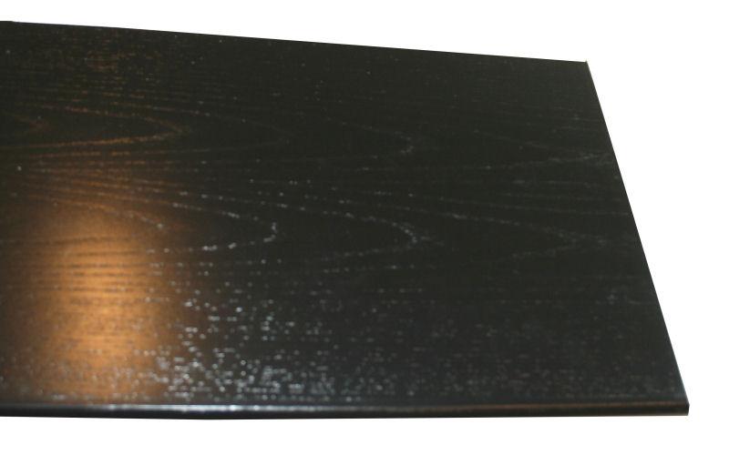 Holzbrett schwarz